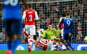 Dimitar Berbatov scores the second goal for Monaco.