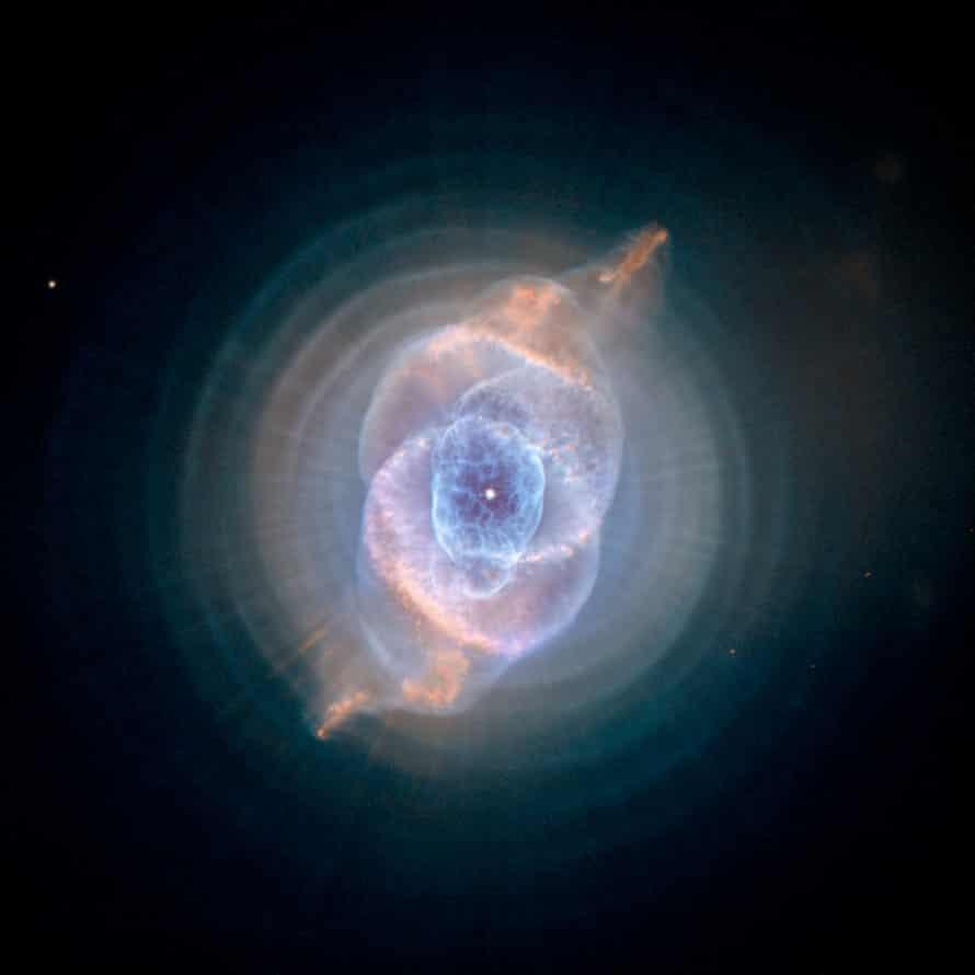 Hubble dying star Cat's Eye Nebula