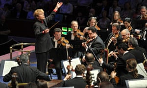 Marin Alsop conducting at the BBC Proms in 2012