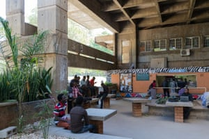 One of the open galleries in the University of Zambia in Lusaka. Arranged along an axial spine, the faculty buildings have exposed staircases with kiosks and seating areas built in to create a street-like bustle. Julian Elliott, 1965-1970