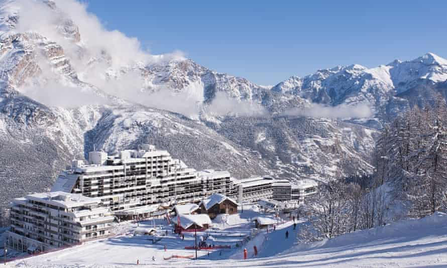 Puy Saint Vincent has three skiing levels up to 2,750 metres.