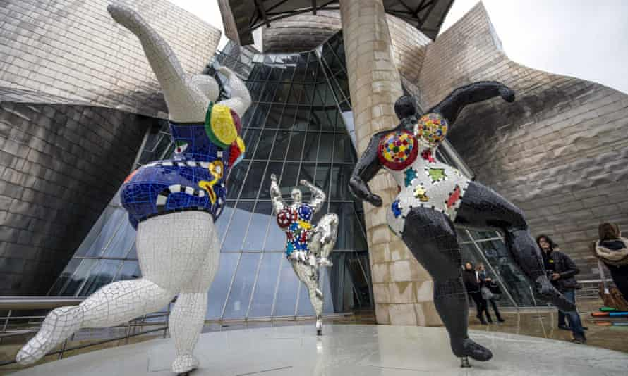 Sculptures by Niki de Saint Phalle at the entrance to the Guggenheim, Bilbao.