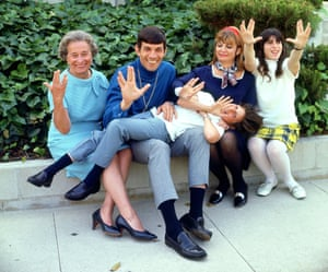 <strong>1970 </strong>Nimoy with his family.