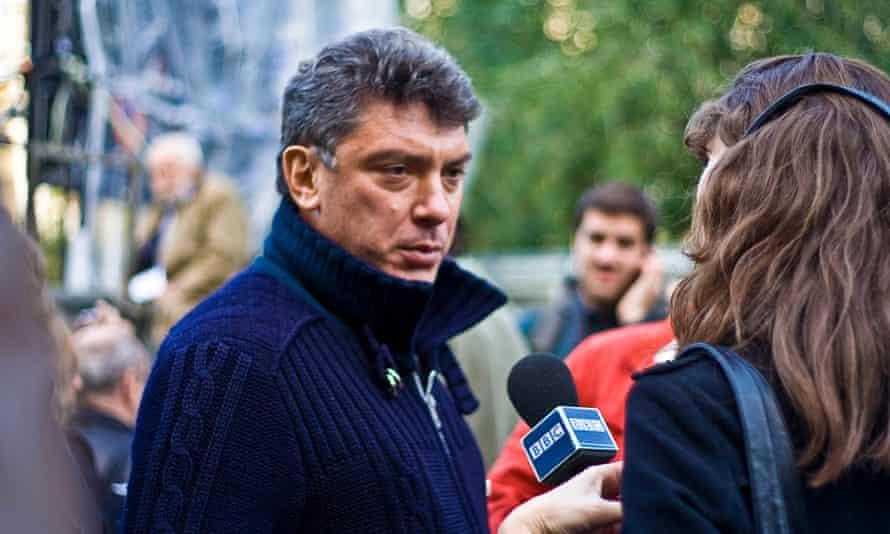 Nemtsov attending a rally in memory of killed Russian journalist Anna Politkovskaya in 2009.