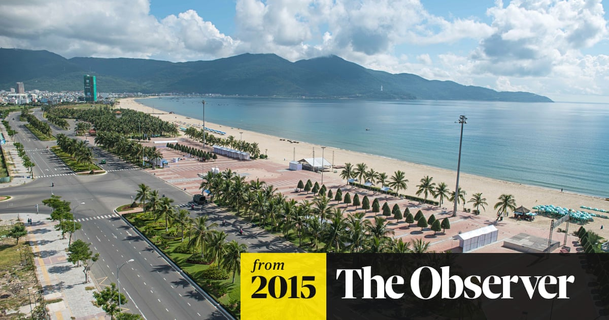 On The Beach Where Us Troops Landed 50 Years Ago A New Vietnam Flourishes World News The Guardian