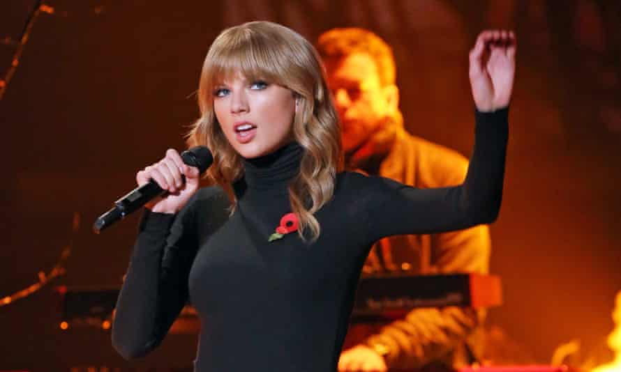 Taylor Swift channels Funny Face on The X Factor.