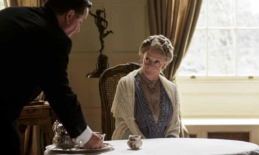 A scene from Downton Abbey, with Jeremy Swift as Spratt the butler and Maggie Smith as Violet