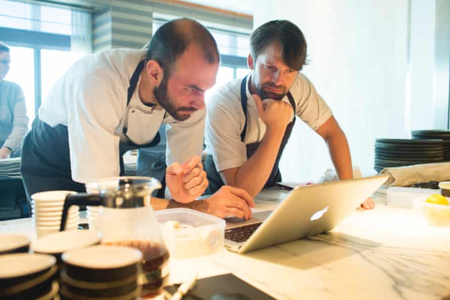 Head chef Daniel Giusti and René Redzepi discuss the menu and guest list at Noma.