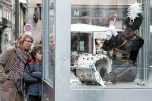 Dries Verhoeven artwork Strasbourg with man smashing drum in glass box