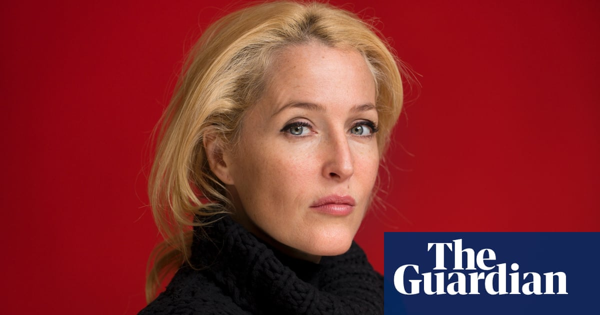 Gillian Anderson on therapy, rebellion and 'being weird' | Stage ...
