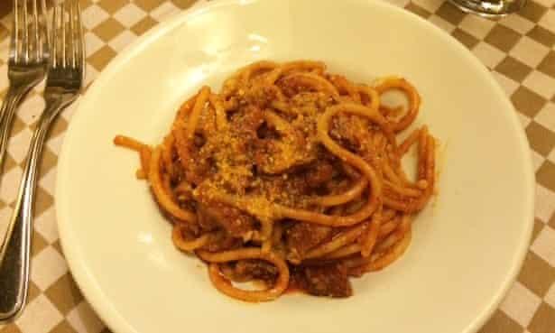 Ricetta Amatriciana Max.Italian Birthplace Of Amatriciana Denounces Chef S Secret Ingredient Pasta The Guardian