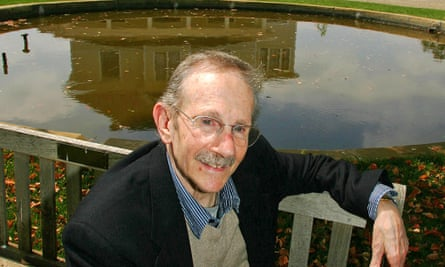 Philip Levine at the San Joaquin River Centre in Fresno, California, where he recited many of his poems.
