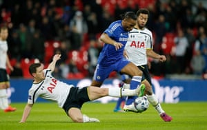 Didier Drogba takes on Vertonghen and Moussa Dembele.