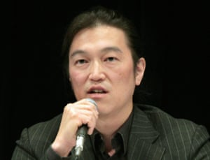 Japanese journalist Kenji Goto delivering a lecture during a symposium in Tokyo in 2010.