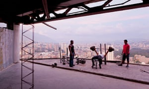 Iwan Baan shot of the Tower of David squat in Caracas, Venezuela