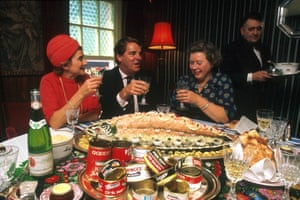 Far right, Grigson with chef and cookery writer Robert Carrier in October 1977.