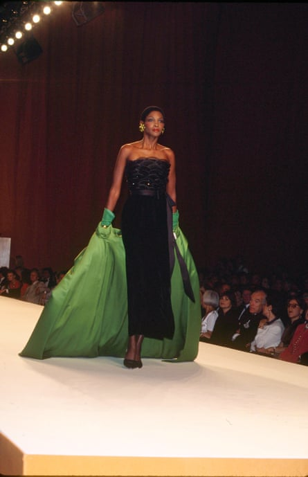 Roshumba on the catwalk with a mini afro.