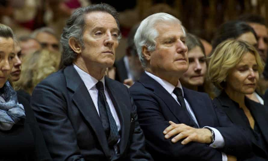 Alfonso Diez, widower of the Duchess of Alba, and Carlos Fitz-James Stuart at her funeral, November 2014.