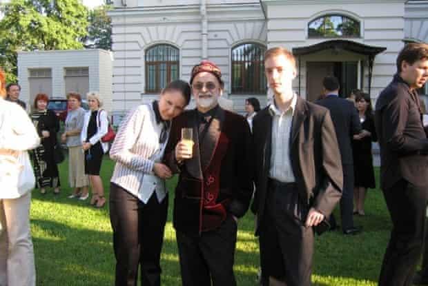 Pratchett with fans