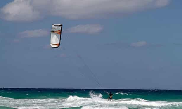 Kite surfer off the Playas del Este.