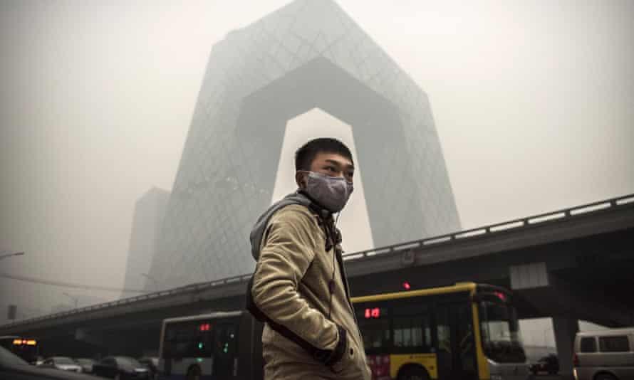 A Chinese man wears a maskin Beijing, China