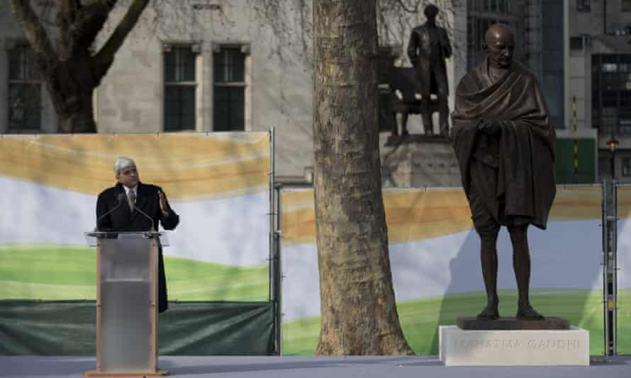 Gandhi's grandson, Gopalkrishna Gandhi, at the unveiling of a new statue by British sculptor Philip Jackson.