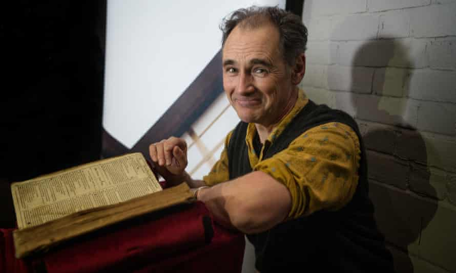 Rylance with a newly-discovered copy of the First Folio, February 2015.