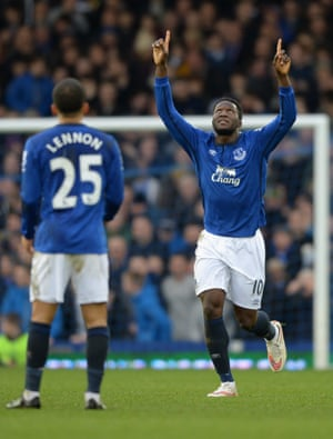 Romelu Lukaku, right, and Aaron Lennon thrived in Roberto Martínez's changed 4-3-3 formation.