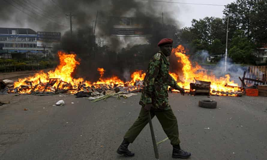 A barricade set up by opposition protesters in Nairobi, Kenya on 31 December 2007.