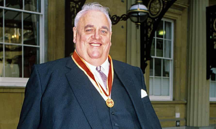 Cyril Smith gets knighthood