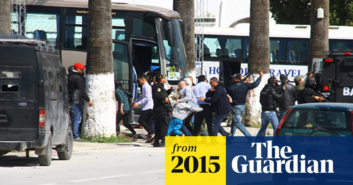 Tunis museum attack: 20 people killed after hostage drama at tourist