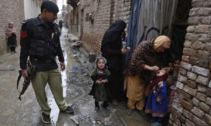 Polio vaccine in Peshawar, Pakistan