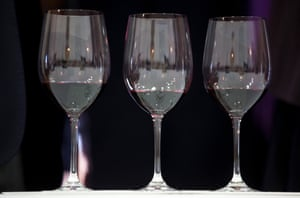 The total value of Bordeaux wine sold plunged 13% compared to 2013 according t the association of Bordeaux winemakers.