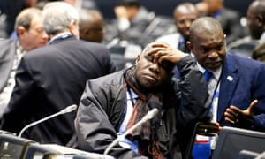 At Sendai, the final plenary session was delayed while it was debated whether the responsibility of developed countries on global warning was mentioned in the new framework document.