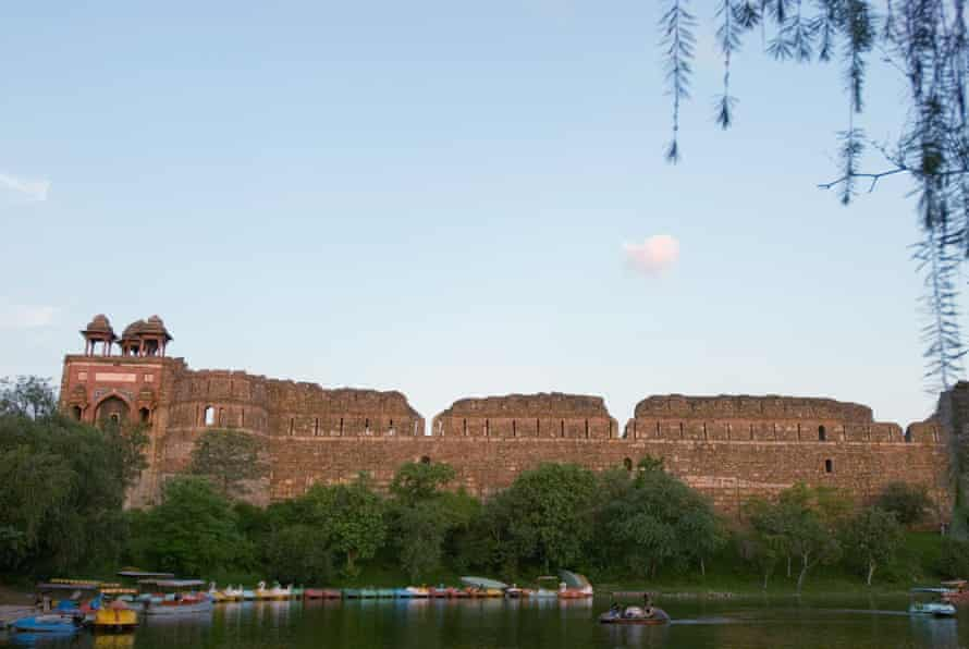 Today, the moat around Purana Qila is popular for boating.