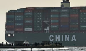 CSCL Globe container ship docking Felixstowe