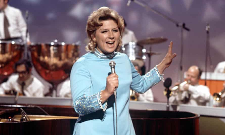 Jackie Trent in 1971.