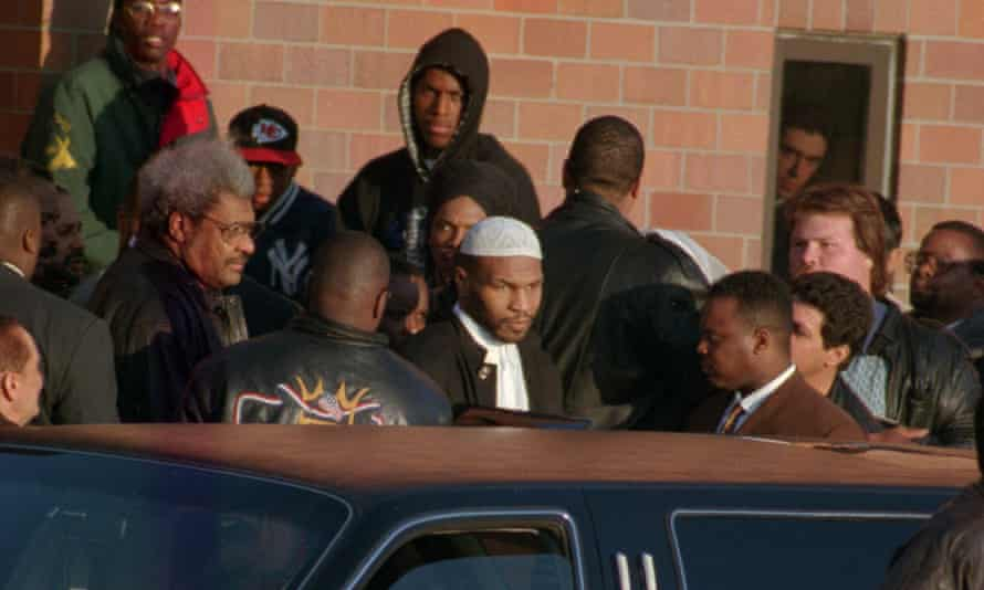 25 March 1995: Mike Tyson leaves the Indiana Youth Centre with Don King after serving a three-year prison sentence for rape