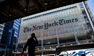 News publishers including the New York Times is in talks with Facebook over hosting content on the social network itself.