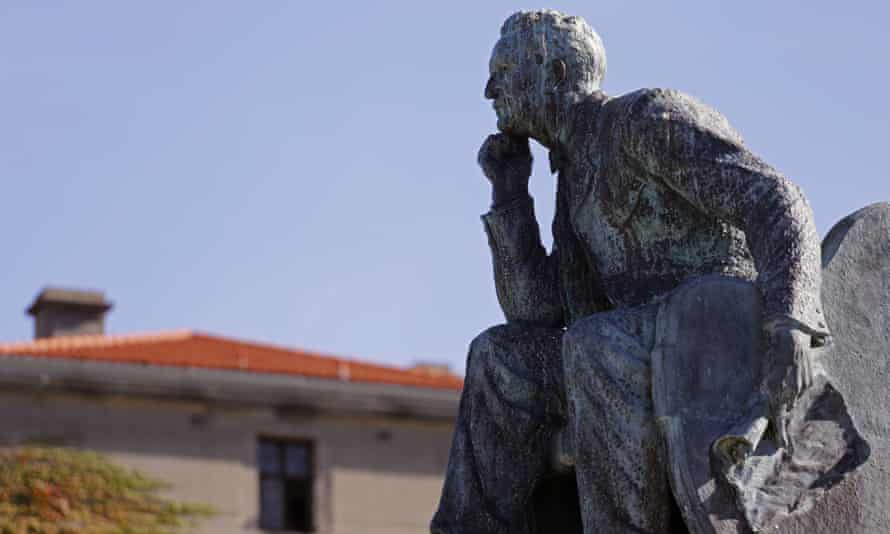 The statue of Rhodes at the University of Cape Town.
