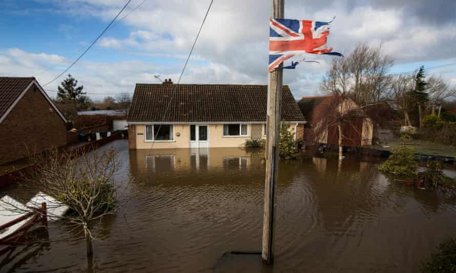 Flooding in the town of Northmoor Green (Moorland), where almost all residents have now been evacuated on 10 February 2014.