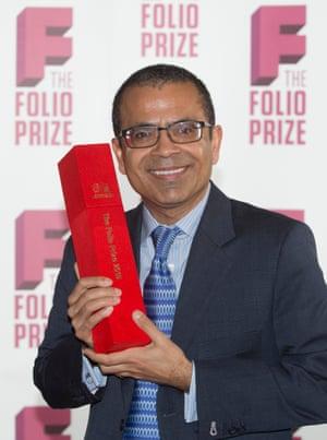 Akhil Sharma with his award.