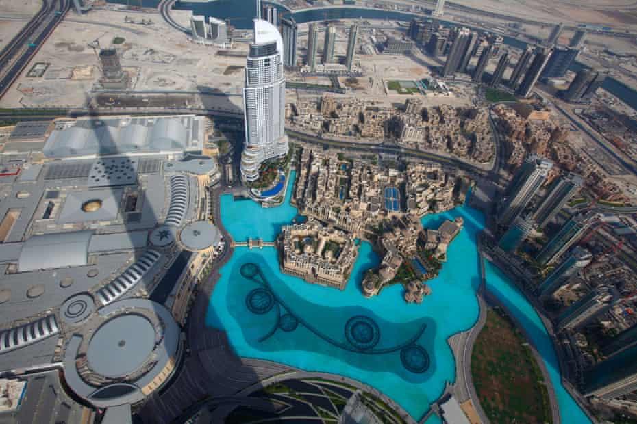 Dubai seem from the pinnacle of the Burj Khalifa tower, the tallest in the world.