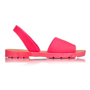 50 best flat sandals 2015 - bright pink slingback sandals in rubber material by Kurt Geiger