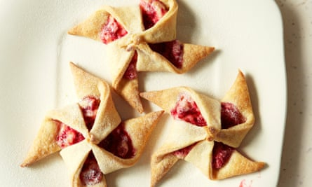 Cream cheese pastry withraspberry filling