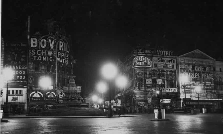 Piccadilly Circus with the lights off, 1960.
