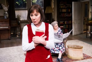 Zoë Wanamaker as Stevie Smith and Lynda Baron as Aunt in Stevie by Hugh Whitemore at Minerva Theatre, Chichester in 2014.