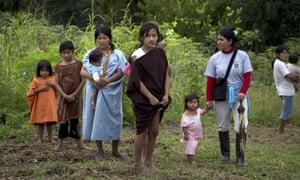 Ashéninka Indian women and girls in the hamlet of Saweto, Peru.