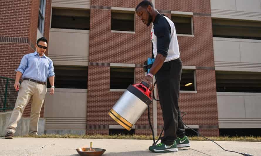 seth robertson demonstrates sound extinguisher