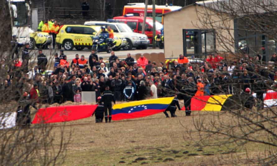 Families of Germanwings crash victims arrive at the site